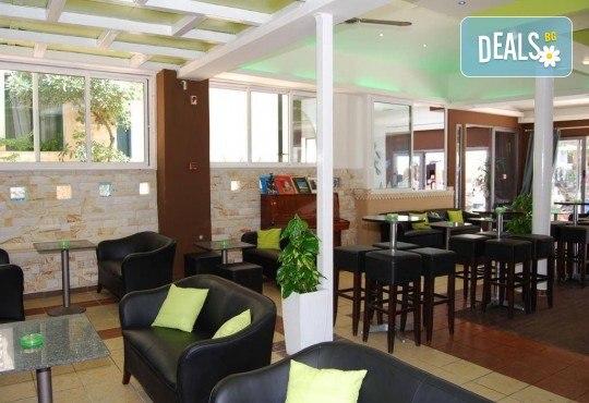 Мини почивка за Септемврийските празници в Пефкохори! 3 нощувки със закуски и вечери, транспорт и посещение на Солун - Снимка 12
