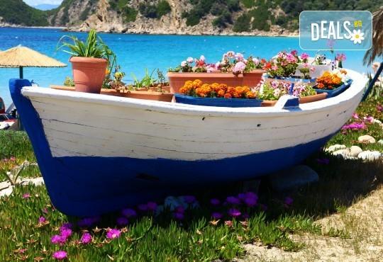 Мини почивка за Септемврийските празници в Пефкохори! 3 нощувки със закуски и вечери, транспорт и посещение на Солун - Снимка 6