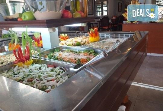 Мини почивка за Септемврийските празници в Пефкохори! 3 нощувки със закуски и вечери, транспорт и посещение на Солун - Снимка 11