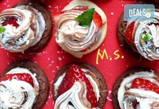 30 броя мини бисквитени тортички с лимонов крем и ягодово сладко от My Style Event! - Снимка 1