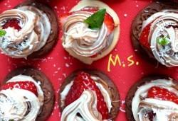 30 броя мини бисквитени тортички с лимонов крем и ягодово сладко от My Style Event! - Снимка