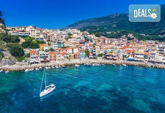 Мини почивка на Йонийското крайбрежие на Гърция! 3 нощувки със закуски и вечери в хотел 3* в Превеза, транспорт и възможност за целодневен круиз - Снимка 3