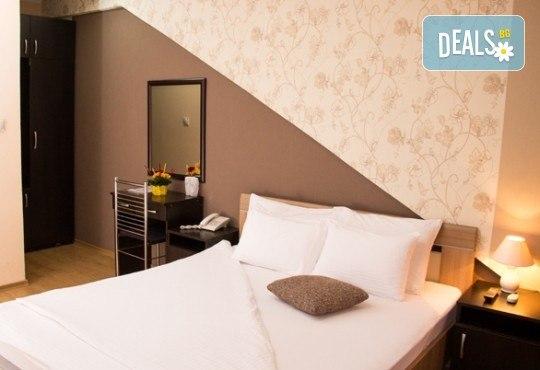Ранни записвания за Нова година 2020 в Hotel Rile Men 3* в Ниш, Сърбия! 3 нощувки със закуски и богата Новогодишна вечеря! - Снимка 2