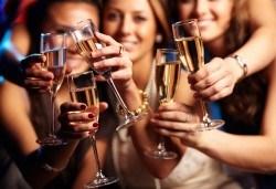 Купон за Нова година в Пирот! Богата празнична вечеря с неограничен алкохол и жива музика в ресторанта на хотел Диана, възможност за транспорт! - Снимка