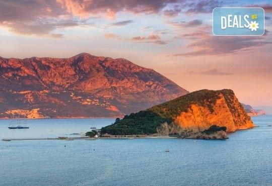 За 6 септември в перлата на Черна гора - Будванската ривиера, с АБВ Травелс! 3 нощувки със закуски и вечери в хотел 2/3*, транспорт и възможност за 1 ден в Дубровник - Снимка 5
