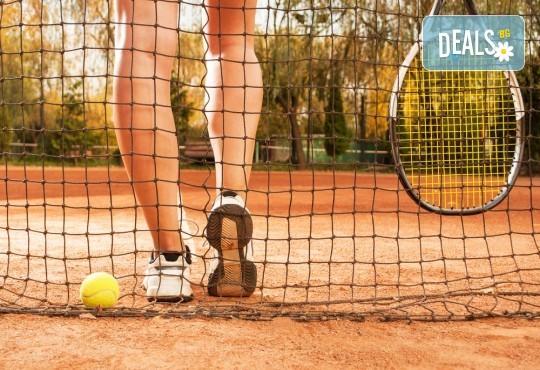 1 индивидуален урок по тенис на корт с професионален треньор Тина Манолова в Тенис клуб Acers, Варна! - Снимка 1