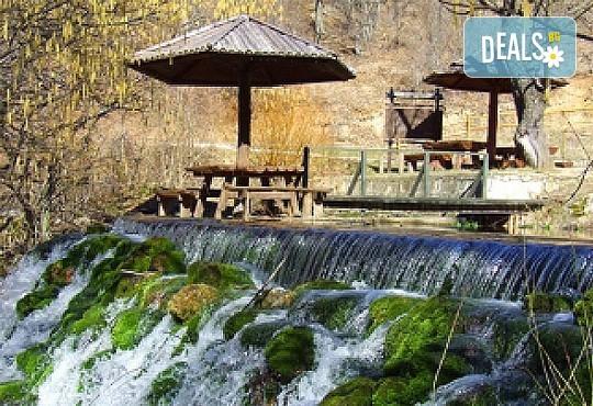 Релакс за 22 септември в СПА курорта Сокобаня, Сърбия! 2 нощувки със закуски, обяди, стандартна и празнична вечеря в Hotel Banija и разходка до Лептерия - Снимка 5