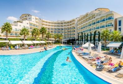 Почивка през октомври в Sealight Resort Hotel 5*, Кушадасъ! 7 нощувки на база Ultra All Inclusive, възможност за транспорт - Снимка