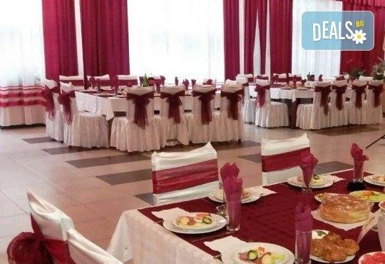 Нова година в СПА курорта Сокобаня, Сърбия, с Джуанна Травел! 3 нощувки в хотел Сокоград, на база All inclusive и Новогодишна вечеря, възможност за транспорт - Снимка 4