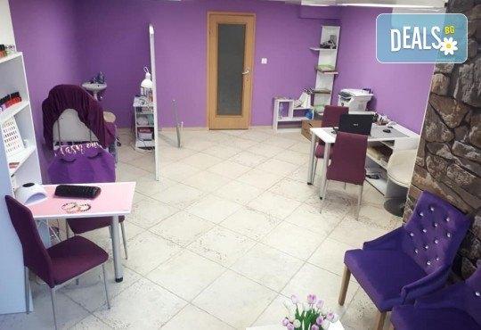 Изграждане на ноктопластика с удължители или гел и дълготраен маникюр с гел лак в NSB Beauty Center! - Снимка 5