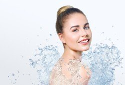 Aqua Peel, биолифтинг, кислородна мезотерапия и терапия студен чук на лице, шия и деколте в NSB Beauty! - Снимка