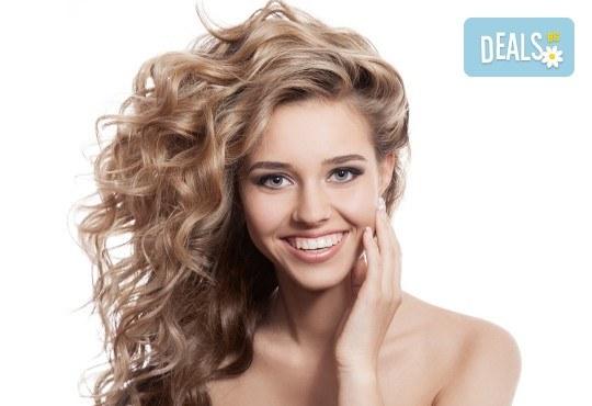За силна и здрава коса! Мезотерапия за скалп и против косопад с Hyaluronica Mesococtails Vita Hair от сертифициран лекар за работа с продуктите на Hualuronica и Juvederm! - Снимка 1