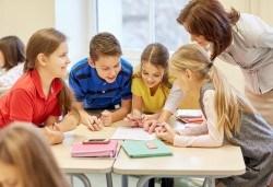 Едномесечна детска занималня за ученици от 1-ви до 4-ти клас в образователен център Смехурани! - Снимка