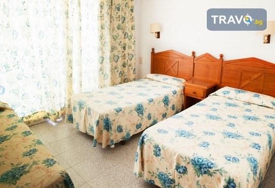 Изпратете лятото с почивка в Малграт де Мар, Испания! Самолетен билет, 7 нощувки със закуски и вечери в хотел 3* и трансфери - Снимка 6