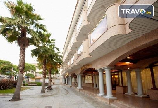 Изпратете лятото с почивка в Малграт де Мар, Испания! Самолетен билет, 7 нощувки със закуски и вечери в хотел 3* и трансфери - Снимка 4