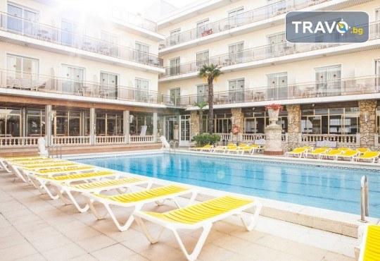 Изпратете лятото с почивка в Малграт де Мар, Испания! Самолетен билет, 7 нощувки със закуски и вечери в хотел 3* и трансфери - Снимка 15