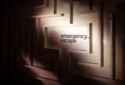Играйте с приятели! Отборна ескейп игра Направление Неизвестно от Emergency Escape! - Снимка
