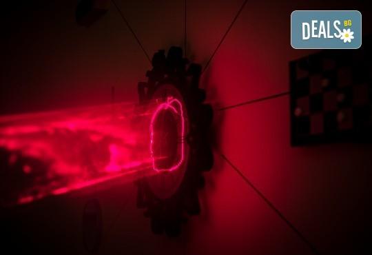 Играйте с приятели! Отборна ескейп игра Направление Неизвестно от Emergency Escape! - Снимка 3