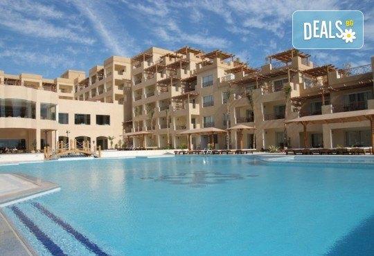 Почивка в Imperial Shams Abu Soma 5*, Хургада, Египет! 7 нощувки на база All Inclusive, самолетен билет с летищни такси, трансфери - Снимка 1