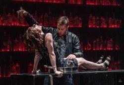 Комедията Пияните с Весела Бабина, Геро и Анастасия Лютова на 10-ти октомври (четвъртък) в Малък градски театър Зад канала! - Снимка