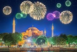 Нова година 2020 в Истанбул, ексклузивна цена! 3 нощувки, 3 закуски и Новогодишна вечеря в Mercure Istanbul West Hotel & Convention Center 5*, транспорт и посещение на мол Forum! - Снимка
