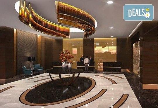 Нова година 2020 в Истанбул, ексклузивна цена! 3 нощувки, 3 закуски и Новогодишна вечеря в Mercure Istanbul West Hotel & Convention Center 5* и транспорт! - Снимка 9