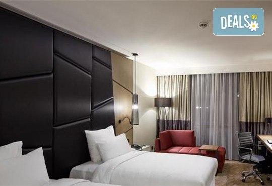 Ранни записвания за Нова година 2020 в Истанбул! 3 нощувки със закуски в Pullman Istanbul Hotel & Convention Center 5*, басейн, сауна, Празнична вечеря и транспорт - Снимка 9