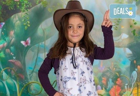 Едночасова детска или семейна фотосесия в студио или на открито и обработка на всички кадри от фотостудио Arsov Image! - Снимка 7