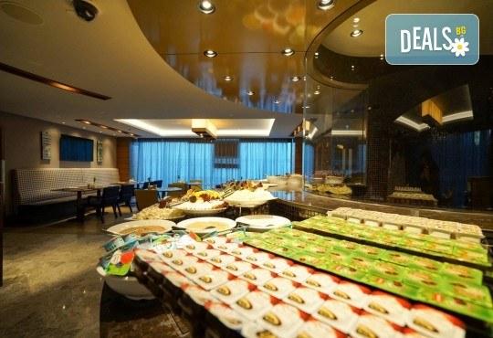 Посрещнете Новата 2020 година в Golden Tulip Istanbul Bayrampasa 5*, Истанбул! 3 нощувки със закуски и Новогодишна вечеря и транспорт - Снимка 12