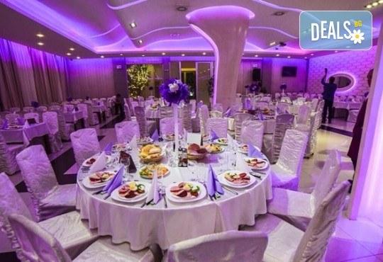 Посрещнете Нова година 2020 в Лесковац! 2 нощувки, 2 закуски и 1 вечеря в Hotel Bavka 3*, празнична Новогодишна вечеря и транспoрт! - Снимка 3