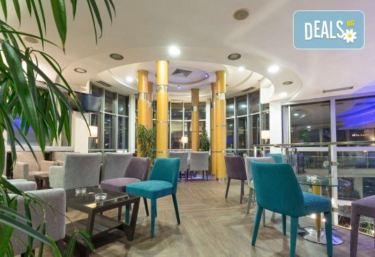 Посрещнете Нова година 2020 в Белград, със Запрянов Травел! 2 нощувки със закуски в СПА хотел Tulip Inn 3*, 1 стандартна и 1 гала вечеря с неограничени напитки - Снимка 12