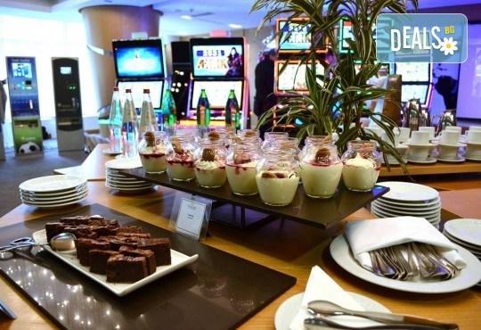 Last minute! Нова година в Белград! 2 нощувки със закуски в СПА хотел Tulip Inn 3*, вечеря и Новогодишна вечеря с жива музика и неограничени напитки, басейн и СПА - Снимка 8