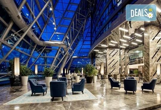 Ранни записвания за 5-звездна Нова година в Pullman Istanbul Hotel & Convention Center в Истанбул! 3 нощувки със закуски, Новогодишна вечеря и ползване на басейн и сауна, транспорт по избор - Снимка 5