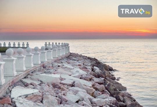 Посрещнете Нова година 2020 в хотел Fafa Premium Resort 4*, Албания, с АБВ Травелс! 3 нощувки, 3 закуски и 2 вечери, транспорт и програма в Дуръс, Скопие и Охрид! - Снимка 15