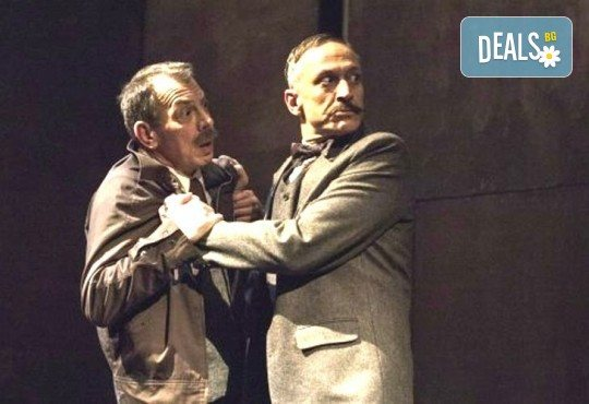 Деян Донков и Лилия Маравиля в Палачи от Мартин МакДона, на 31.10. от 19 ч. в Театър София, билет за един - Снимка 11