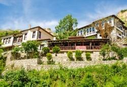 Еднодневна екскурзия на 05.10. до местността Рупите, Мелник и Роженския манастир - транспорт и водач от Поход! - Снимка