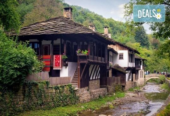 Еднодневна екскурзия до Габрово, Етъра и Соколски манастир, на 12.10., с ТА Поход! Транспорт, екскурзовод и програма - Снимка 3