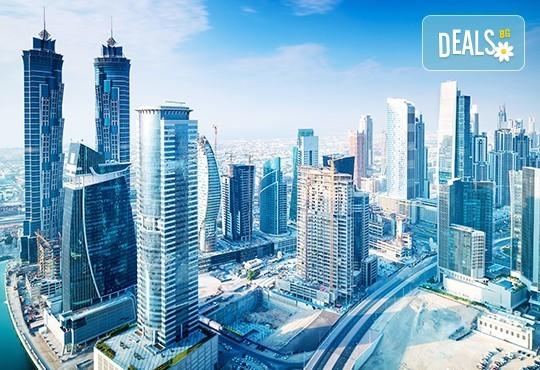 През есента до екзотичния Дубай! 4 нощувки със закуски и вечери в хотел 3* или 4*, самолетен билет, трансфери, сафари в пустинята, посещение на Абу Даби и круиз в Дубай Марина! - Снимка 2