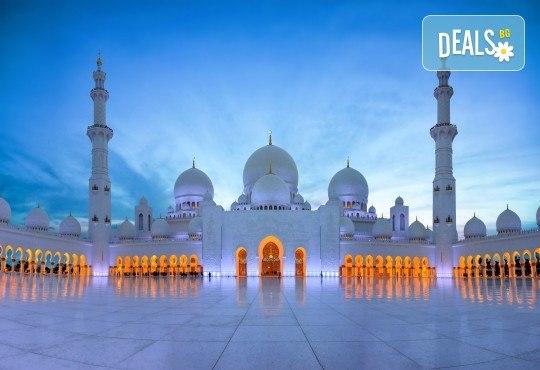 През есента до екзотичния Дубай! 4 нощувки със закуски и вечери в хотел 3* или 4*, самолетен билет, трансфери, сафари в пустинята, посещение на Абу Даби и круиз в Дубай Марина! - Снимка 11