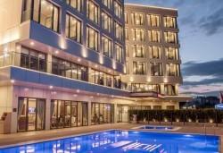 Нова година 2020 в Hampton by Hilton 4* в Гелиболу, Турция, с Глобус Холидейс! 3 нощувки, 3 закуски и 2 вечери, Новогодишна вечеря, собствен транспорт - Снимка