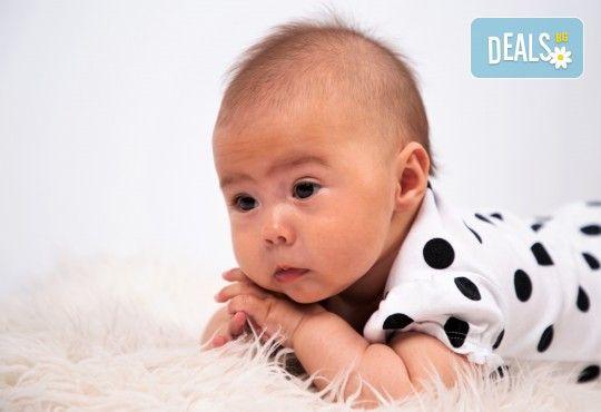 Фотосесия за бебе, в студио с разнообразни декори и 10 обработени кадъра от Студио Dreams House! - Снимка 2