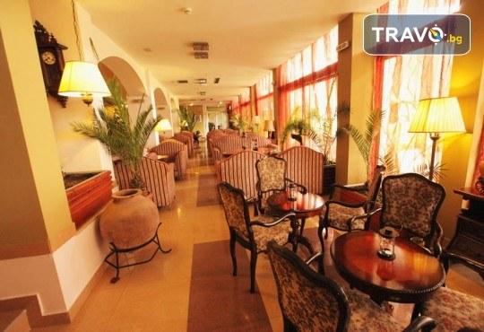 4-звездна Нова година в Охрид! 3 нощувки със закуски и 2 вечери в Hotel Belvedere, Новогодишна празнична вечеря и транспорт - Снимка 11