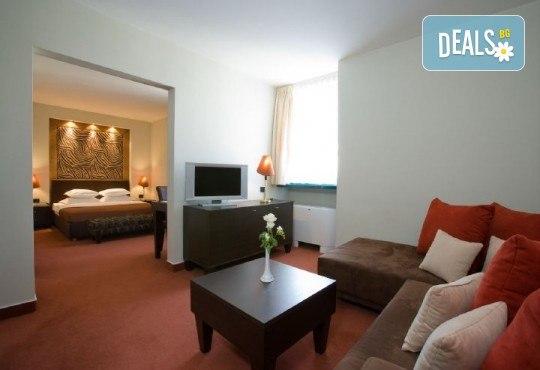 Посрещнете Новата 2020 година в Загреб, Хърватия! 3 нощувки с 3 закуски и 2 вечери в Laguna Hotel 3*, Новогодишна вечеря и транспорт - Снимка 8