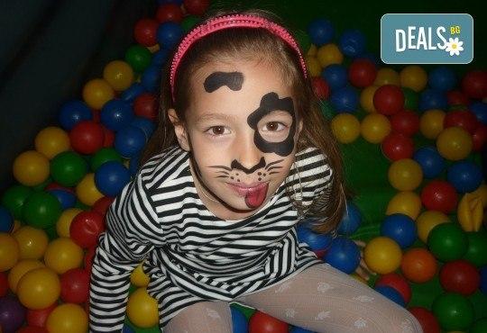 За празника на Вашето дете! Два часа детско парти за 8-15 деца с аниматор, меню и торта от Парти клуб Слънчо - Снимка 8