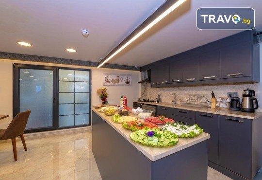 Нова година в Истанбул! 2 нощувки със закуски в Grand Ahi Hotel 3*, транспорт, водач и посещение на Одрин - Снимка 15