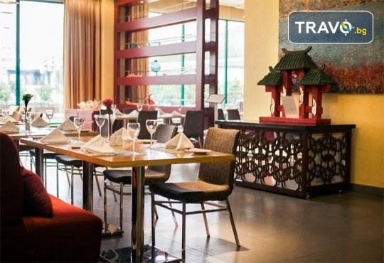 Луксозна Нова година в Истанбул, Турция! 3 нощувки със закуски в Holiday Inn Airport 5*, Новогодишна гала вечеря и транспорт - Снимка 12