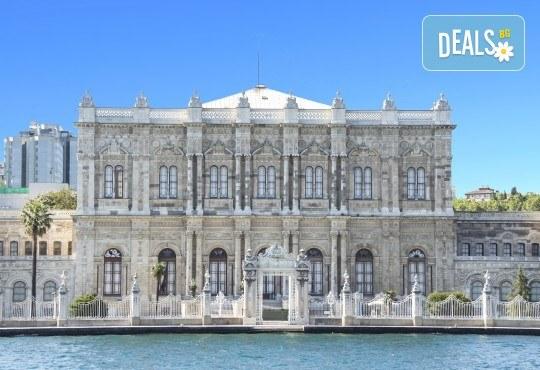 Приказна Нова година в Истанбул! 3 нощувки със закуски в хотел 2*/3*, Новогодишна гала вечеря на яхта по Босфора, транспорт и посещение на мол Forum - Снимка 2