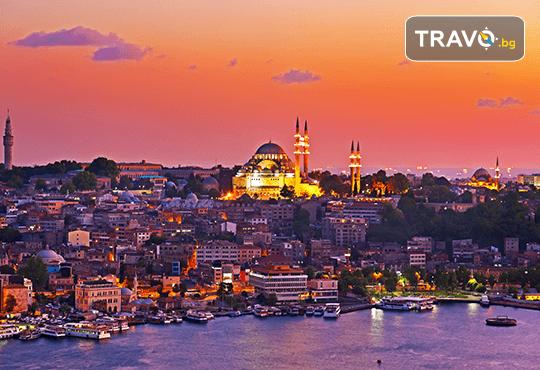 Приказна Нова година в Истанбул! 3 нощувки със закуски в хотел 2*/3*, Новогодишна гала вечеря на яхта по Босфора, транспорт и посещение на мол Forum - Снимка 6