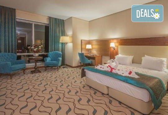 Посрещнете Нова година 2020 в Hotel Margi 5*, Одрин, с Глобус Холидейс! 3 нощувки, 3 закуски, 2 вечери и Новогодишна Гала вечеря, възможност за транспорт! - Снимка 3
