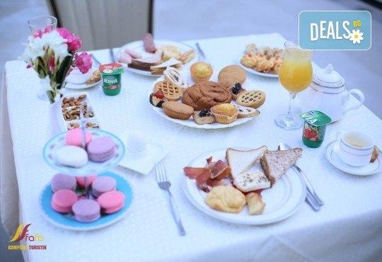 Посрещнете Нова година в Fafa Premium Hotel 4+*, Дуръс! 3 нощувки с 3 закуски и 2 вечери, транспорт, посещение на Скопие, Струга и Елбасан - Снимка 6